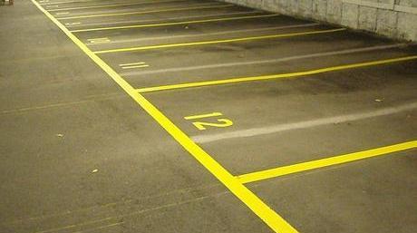 Målning av parkeringsrutor